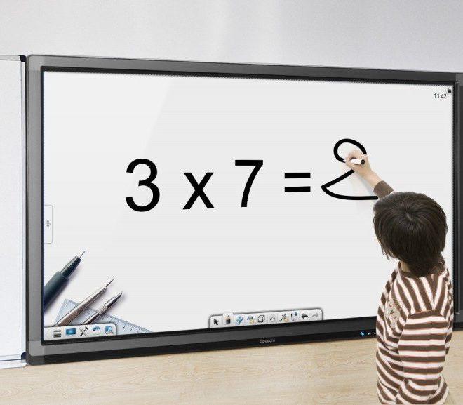 Pourquoi équiper sa classe avec un écran interactif tactile ?