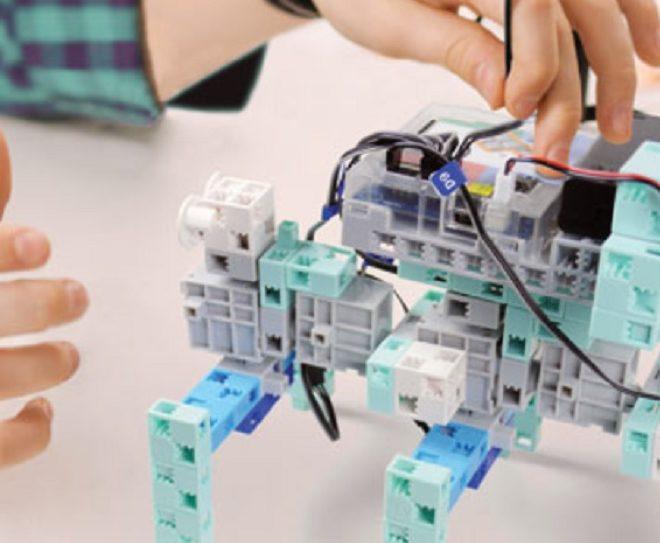 Le rôle du robot enfant à l'école